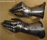 G 001 Graz light cavalry gauntlets with unique wrist articulation